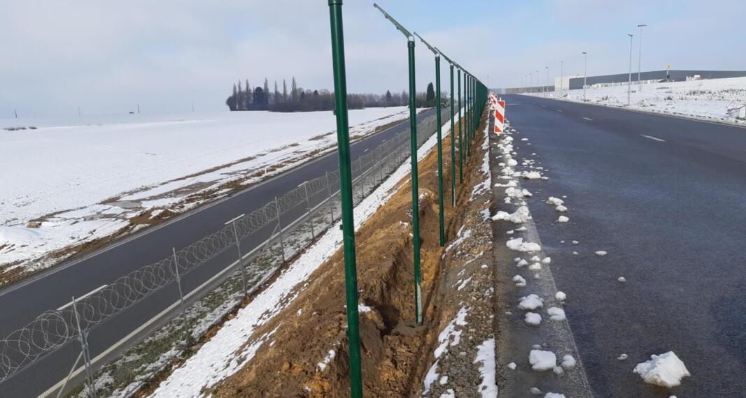 Aéroport de Liège – Renouvellement, déplacement et pose de nouvelles clôtures aéroportuaires