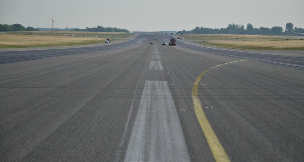 Aéroport de Liège – Enduit réjuvénant sur la piste